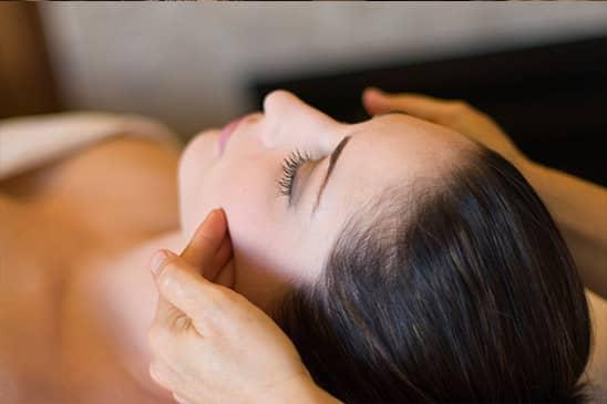 Kopf-Schulter-Nacken Massage mit Elementen aus dem Shiatsu